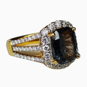 Gold Ring with Rare Sapphire 4 Karats and Diamonds