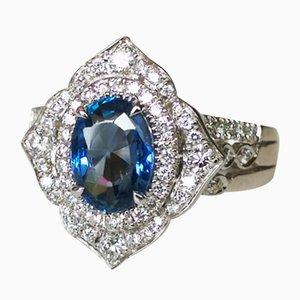 Ring aus 18 Karat Weißgold mit 1,94 Karat unwarmen Saphiren und Diamanten