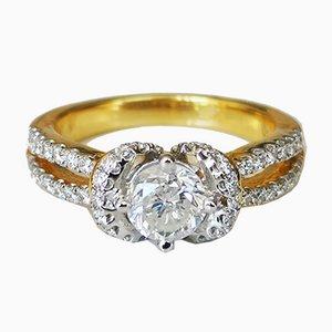 Bague en Or 18 Carat avec Diamant Central de 0.77 Karats et Diamant