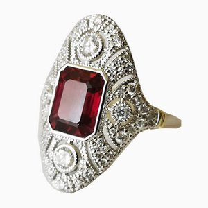 Ring aus 18 Karat Weißgold mit 5,7 Karat Rhodolite Diamanten im Art Deco Stil verziert