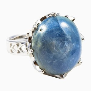 Ring White Gold, Unheated Cabochon-Cut Sapphire 21.37 K & Diamonds