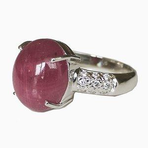 Bague Jonc en Or Blanc de 18 Karats Ornée de Rubis Cabochon de 8.83 Karats et Diamants