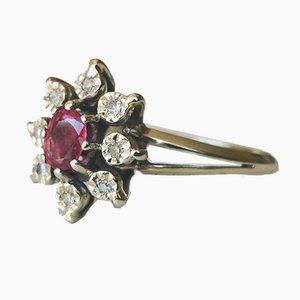 Gänseblümchen Ring aus 750/1000 Grauem Gold mit Rubin und Diamanten
