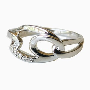 Ring aus 18 Karat Weißgold mit Diamanten verziert
