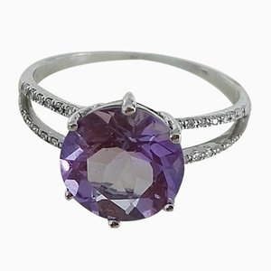 White Gold Ring with a Round Amethyst and Diamonds