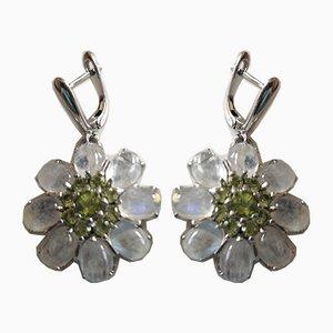 Silberne Ohrringe mit Cabochon Moonstones und Peridots verziert, 2er Set