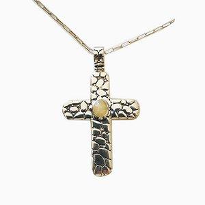 Große Kreuz-Hängelampe und Silberne Kette aus Opalglas