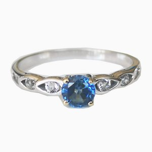 Ring in White Gold Adorned with Sapphire and Diamond