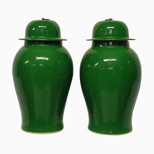 Chinesische Glasierte Smaragdgrüne Vasen, 1960er, 2er Set