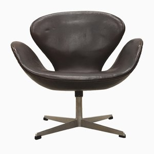 1st Edition Brown Swan Chair by Arne Jacobsen for Fritz Hansen, 1950s