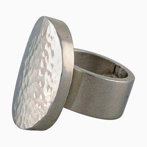 Modernistischer Ring aus Gehämmerter Zinn von Micke Berggren, Schweden