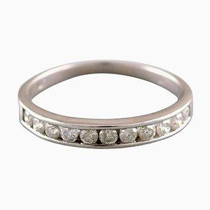 Classic Alliance Ring aus 10 Karat Weißgold mit zahlreichen Diamanten
