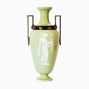 Französische Pate-Sur-Pate Vase mit Ormolu-Fassungen, 1880er