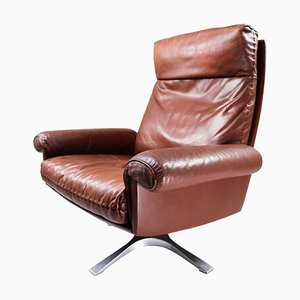 Vintage Swiss Patinated Brown Leather DS 35 Swivel Armchair from de Sede, 1960s