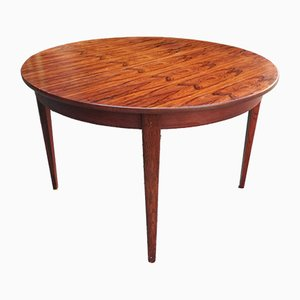 Round Extendable Rosewood Dining Table, France, 1960s