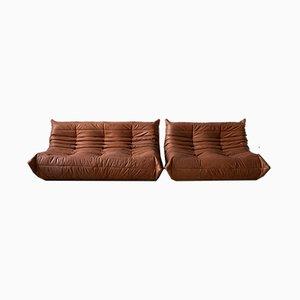 Juego de sofás Togo de dos plazas y tres plazas de cuero durazno de Michel Ducaroy para Ligne Roset, años 70. Juego de 2