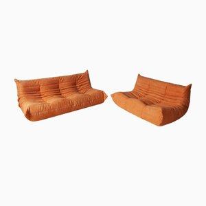 Orangefarbenes Mikrofaser 2-Sitzer Toga Sofa & 3 Sitzer Sofa Set von Michel Ducaroy für Ligne Roset, 1970er, 2er Set