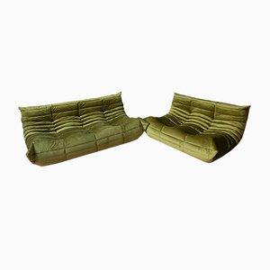 Juego de sofás Togo de terciopelo verde oliva con dos asientos y dos plazas de Michel Ducaroy para Ligne Roset, años 70. Juego de 2
