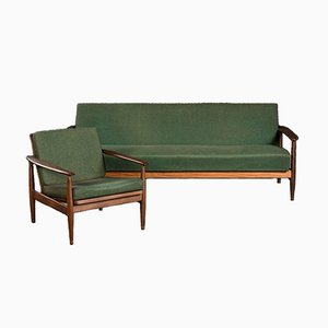 Sofá cama y butaca de tela verde y teca al estilo de Grete Jalk, años 60. Juego de 2