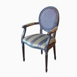 Grauer Stuhl mit Armlehnen & Designers Guild Bezug von Photoliu
