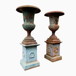 Große antike Medici Vasen aus patiniertem Gusseisen, 2er Set