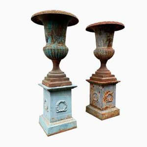 Large Antique Medici Vases in Patinated Cast Iron, Set of 2
