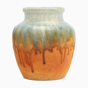 Große Seladonblaue und Orangefarbene Cremefarbene Glasvase von Ruskin Pottery, 1930er