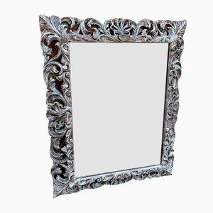 Espejo francés antiguo de madera tallada pintada