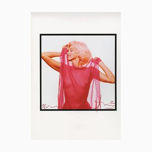 Foulard Marilyn Monroe Fuschia Profile the Last Sitting, par Bert Stern, 2010