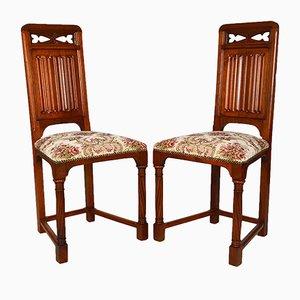Viktorianische Gothic Revival Stühle aus geschnitztem Nussholz, 19. Jh., 2er Set