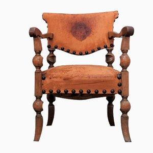 Antiker Verwitterter Stuhl
