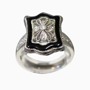 Ring in 14kt White Gold with Filigree and Small Diamonds