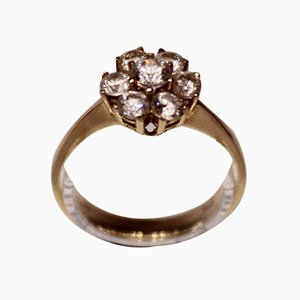 14k Gold Ring with 7 Large Zirconia