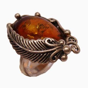 Ring with Large Amber Lump Decorated with Feathers in 925 Sterling Silver from SAN