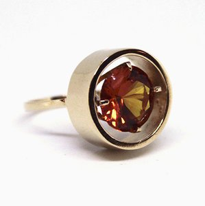 Amber Gold 14kt Ring Decorated with Stones