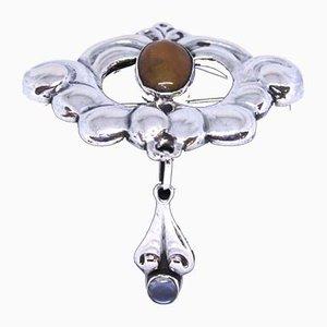 Broche 826 de plata decorado con cornalina de KGJ