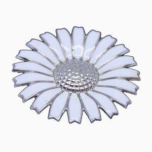 925er Silber und Weiße Emaille Daisy Brosche von Georg Jensen
