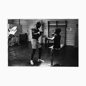 Boxeo Lola Falana en el gimnasio fotografiado por Frank Dandridge, 1969