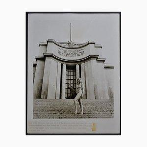 Nu Parisien devant le Musée de l'Homme, 1970s