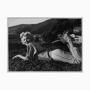 Filmstar Marilyn Monroe lacht und schmollt 1954