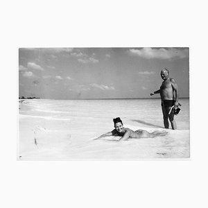 Bahamas Curd Jürgens & Wife Simone Bicheron on the Beach, 1971