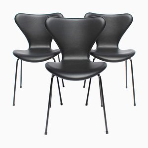Model 3107 Dining Chairs by Arne Jacobsen for Fritz Hansen, 2016, Set of 3