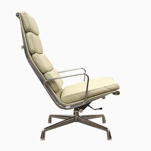Creme Beige EA222 Soft Pad Lounge Chairs by Charles & Ray Eames for Herman Miller, 1990s, Set of 2