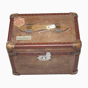 Englischer Koffer aus Leder mit Verschiedenen Aufklebern