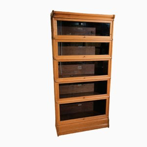 Small Antique Oak Bookcase from Globe Wernicke
