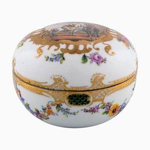Barattolo antico Meissen in porcellana dipinta a mano con scena romantica
