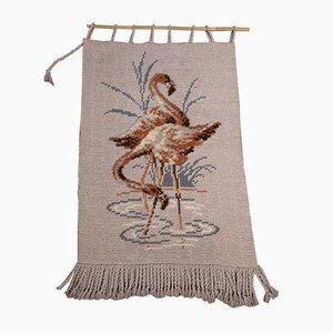 Mid-Century Flamingos und Wandteppiche