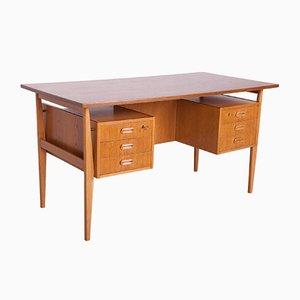Freistehender Mid-Century Eichenholz Schreibtisch, 1960er