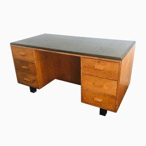 Großer Industrieller Doppelseitiger Eichenholz Partner Schreibtisch, 1950er
