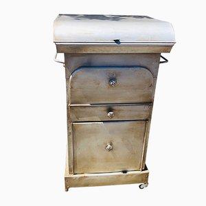 Mesa de lavado antigua de metal
